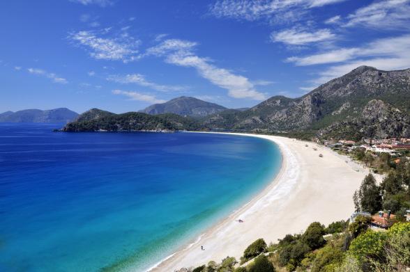 Die Türkei lockt mit Traumstränden in den Last Minute Urlaub